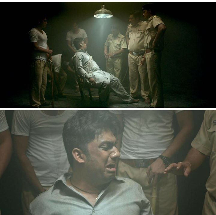How many of you have seen this scene from the movie Chor Bani Thangaat Kare ??