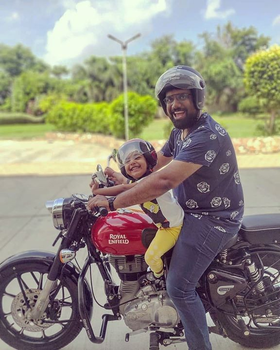Favorite time of the day when I drop off Dhyana to her school. She loves riding the bullet. She does not let me go on bullet without the helmet even if I have to pick up groceries few hundred metres away. Sometimes you learn from your children. The only time demand meets supply consistently is in a Father-Daughter relationship.   #Bullet #RoyalEnfieldFamily #Dhyana #Helmet #Safety #School #FatherDaughter