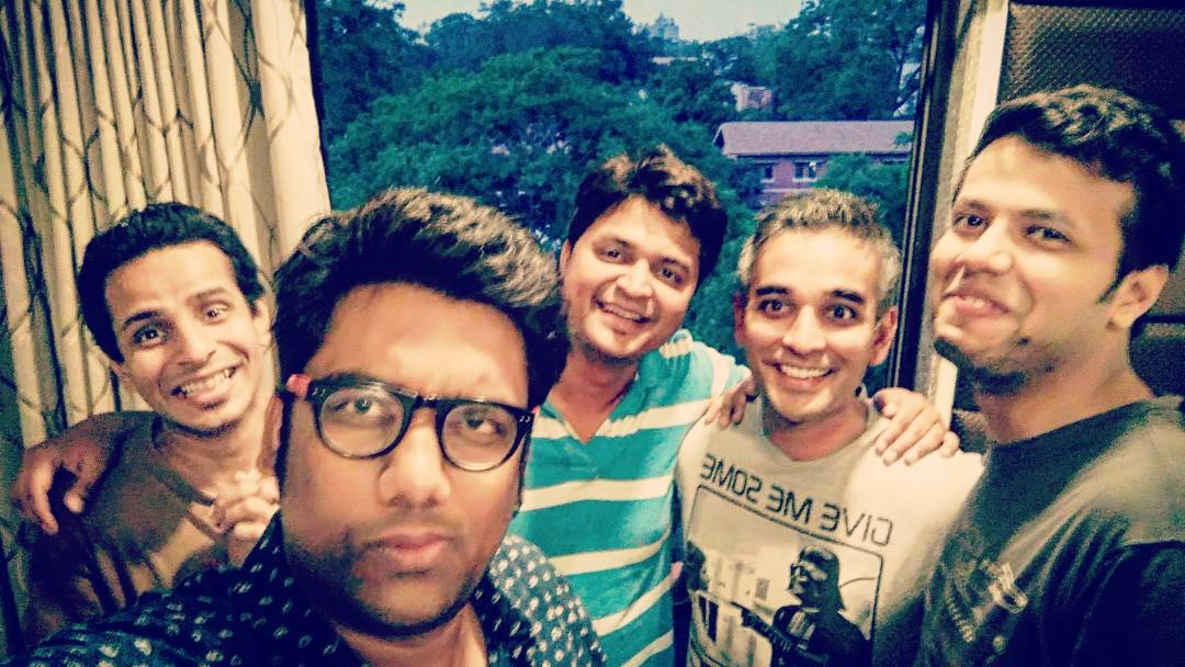 Till the Break of Dawn. That conversation we didn't want to end. After a crazy 3 days tour.. A night to remember. So much lunatic comedy loyalty! @sapanv @humorouslyyours @sanjaycomedy @ojasrawal @thecomedyfactoryindia #thecomedyfactory #comics #fun #nightout