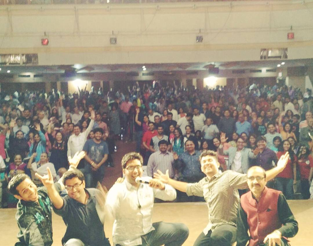 Whatta Show last night in CHEMBUR. Supremely organised by Leo Club of Jagdusha Hills. Thank you so much LCJH! Sold out flawless show for 1200+ people. Gujju Madness! #standup #improv #gujarati
