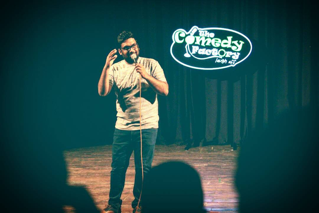 One of my favorite captures from last night. We now have a swanky portable LED board. Thanks to Keyur Patel and Inhouse Communications team for the support. Thanks to @aarizsaiyed for the amazing clicks.  #ashudhgujarati #Gujlish #StandUpComedy