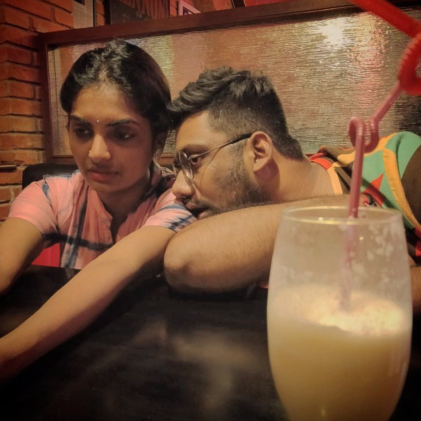 I always drool over her.  Me and my Piña colada @vidyajanakiraman  Thanks @raahulkshah for this pic. #BestFriend