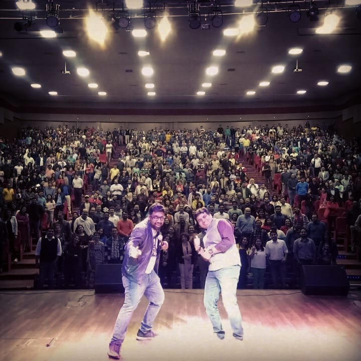 1k+ people. Jam Packed Friday with @amitandon17 was so much fun.  #StandUpComedy #Ahmedabad