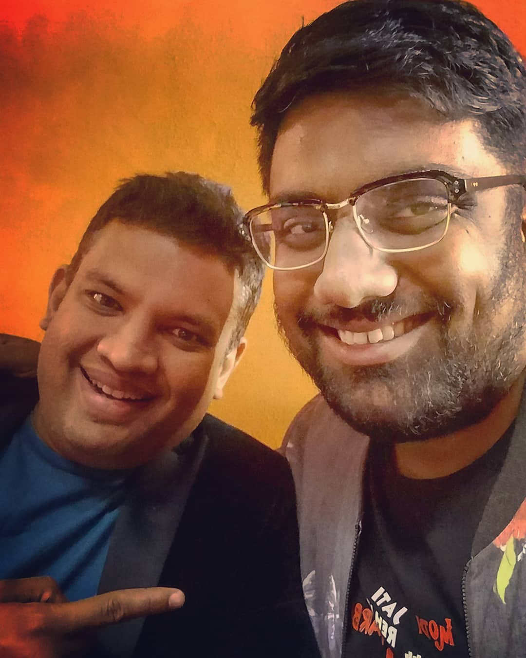 Mom had told me never to trust a 'Manjhri' aankh guy. Nevertheless I trusted one and made friendship of a lifetime. @bablu21 is one of the best promoters and humans that I have come across. He knows how to live life king size and his modesty is so evident. I hardly make friends at this age... But I couldn't resist finding a new friend in Chirag Parikh. Here's to many more shows, pegs, bets and stories. Thank you Chirag Parikh and Forum Parikh for the most memorable tour of my life.  #StarAllianceEntertainment #TcfAustralia #StandUpComedy #AustraliaTour #MusicalComedy #ImprovComedy