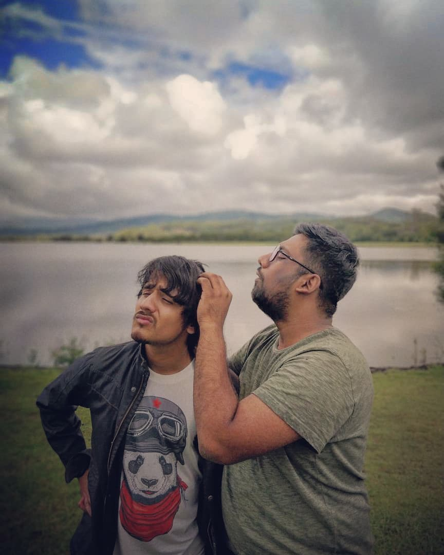 Aariz and I share special bond of all things nice and lice. Also, we all evolved from Monkeys. Never Forget.  #TcfAustralia #AustraliaTour #GigLife