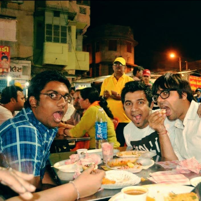 Good times with brothers @soulfulsachin @jigarsaraiya when we had a blast at Manekchowk and then the duo decided to lose weight and I decided to gain more. Thanks to Manekchowk and Ahmedabad Food which has contributed to 30 kilos of my weight.  #SachinJigar #Manekchowk #Ahmedabad #FlashbackFridays