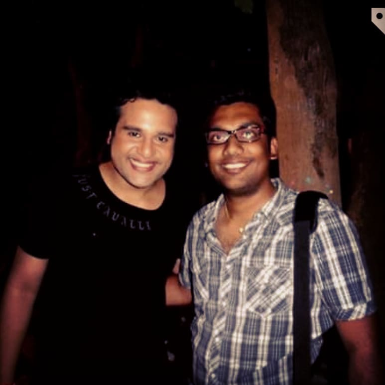 This is the first time I met @krushna30 on the sets of comedy circus 300th episode. It is so fascinating to see him perform live and so much to learn.  Years later I had never imagined that I will get a chance to work with him. His energy and his improvisations are shockingly funny. He asked me couple of times before doing jokes on me when the cameras roll... Main eney aangdi aapi eney almost maari ganji phaadi.. always catches fellow performers off guard but funny AF.  HAPPY BIRTHDAY KRUSHNA!! #comedynightsbachao