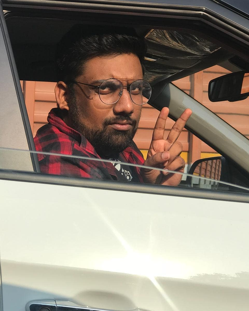 When I see an old friend in traffic who I don't like anymore.  P.C @mitragadhvi