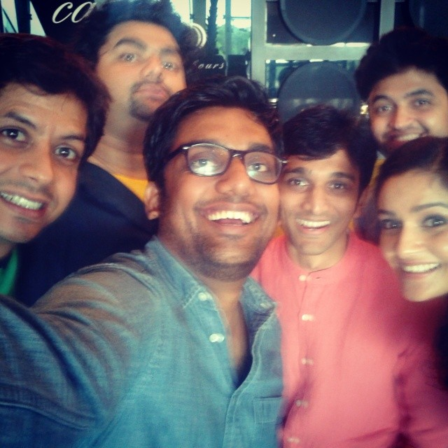 Bey Yaar Selfie! Divyang, Pratik, Samvedna, Kavin, Amit and Me. Movie Releasing on 29th August. #selfie #Gujarati #BeyYaar