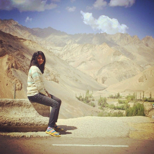 Just couldn't stop looking at the beauty of this picture. Happy for her. #vidya #leh #solo #trip