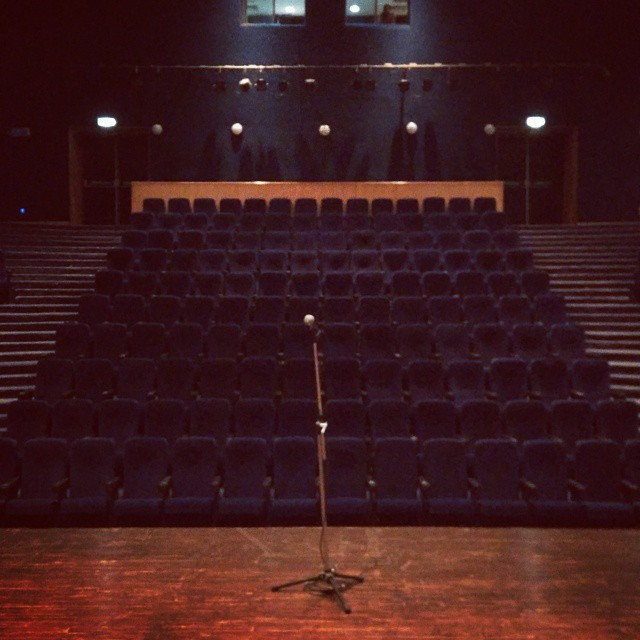 Doing this Mic and People who will sit in these chairs tonight. #standup #comedy #gurgaon #epicentre #tcf
